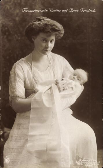 Ak Kronprinzessin Cecilie von Preußen mit Prinz Friedrich als Baby, NPG