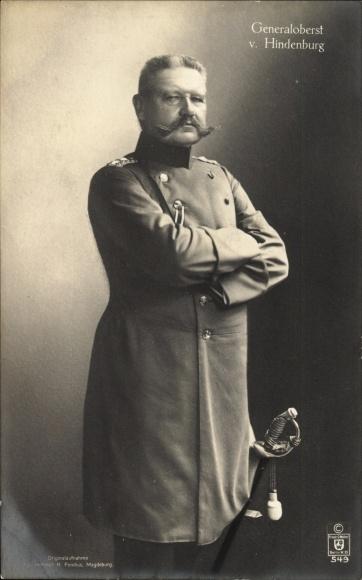 Ak Generalfeldmarschall Paul von Hindenburg, Standportrait