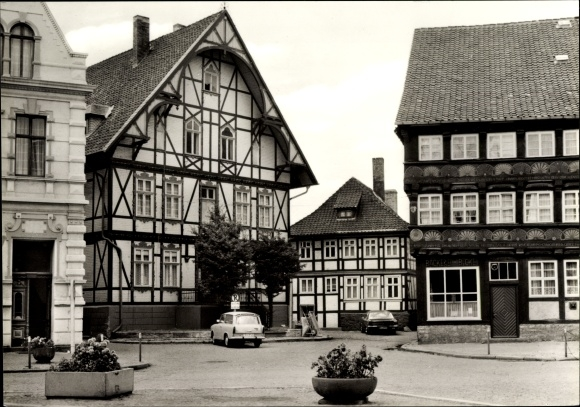 Ak Osterwieck im Kreis Harz, Partie am Markt, Fachwerkhäuser, Bäckerei Bickel