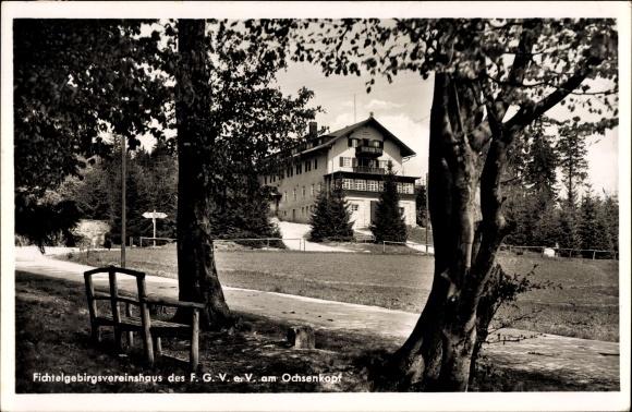 Ak Bischofsgrün im Fichtelgebirge, Blick auf das Fichtelgebirgsvereinshaus am Ochsenkopf