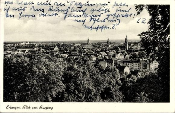 Ak Erlangen in Mittelfranken Bayern, Blick vom Burgberg auf die Stadt