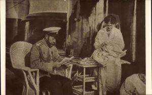 Ak Zar Nikolaus II. von Russland, Zarin Alexandra Fjodorowna beim Sticken