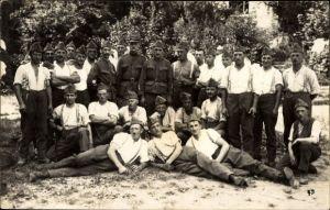 Foto Ak Schweizer Soldaten in Uniformen, Gruppenportrait