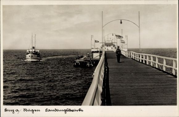 Ak Seebad Binz auf Rügen, Blick auf die Landungsbrücke