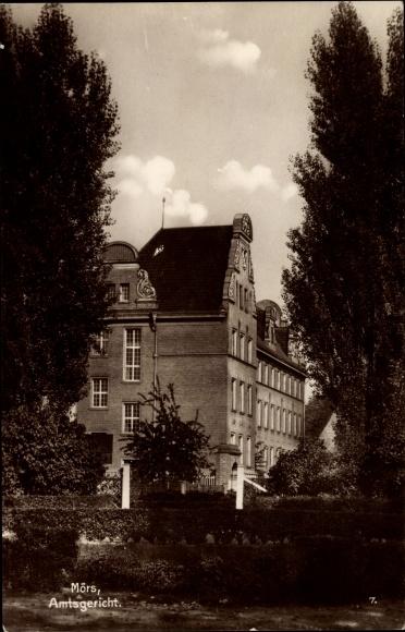 Ak Moers am Niederrhein, Blick auf das Amtsgericht
