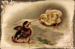 Präge Litho Glückwunsch Ostern, Zwei Küken streiten sich um einen Regenwurm