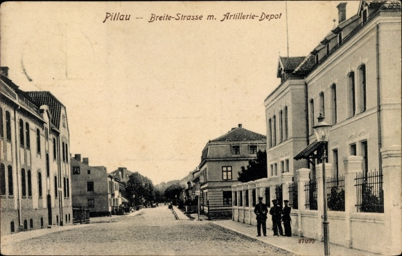 Ak Baltijsk Pillau Kaliningrad Ostpreußen, Breite Straße mit Artillerie Depot