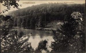 Ak Saarbrücken im Saarland, Partie am Deutsch Mühlenweiher, Wald