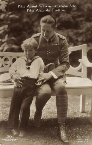 Ak Prinz August Wilhelm Prinz von Preussen mit seinem Sohn Prinz Alexander Ferdinand, Liersch 7724
