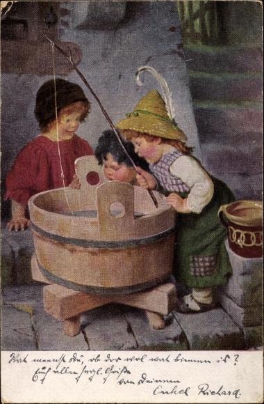 Künstler Ak Kaulbach, Hermann, Wo ist der Fisch, Kinder angeln in einem Holzbottich
