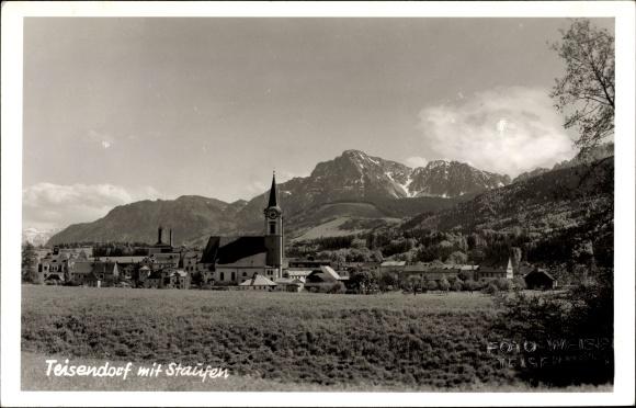 Ak Teisendorf in Bayern, Blick zum Ort mit Staufen, Kirche