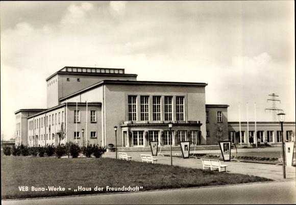 Ak Schkopau in Sachsen Anhalt, Blick auf Haus der Freundschaft, VEB Buna Werke