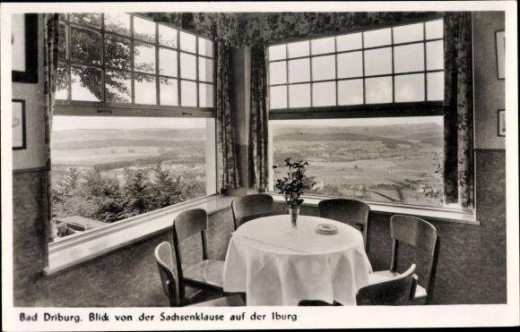 Ak Bad Driburg im Kreis Höxter, Blick von der Sachsenklause auf der Iburg