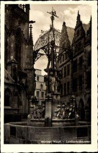 Ak Münster in Westfalen, Blick auf den Lambertusbrunnen, Kirchpartie, Giebelhäuser, Haus Lamberti