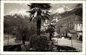 Ak Meran Merano Südtirol, Casino Nuovo, Straßenpartie, Alpenkamm