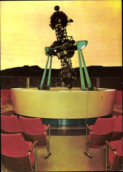 Ak Jena in Thüringen, Zeiss Planetarium, Carl Zeiss Stiftung, Innenansicht, Projektor