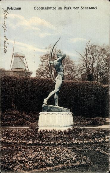 Ak Potsdam in Brandenburg, Bogenschütze im Park von Sanssouci, Windmühle