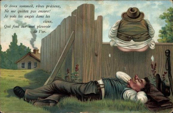 Künstler Ak Mann liegt schlafend im Gras, dicker Mann auf einem Zaun sitzend