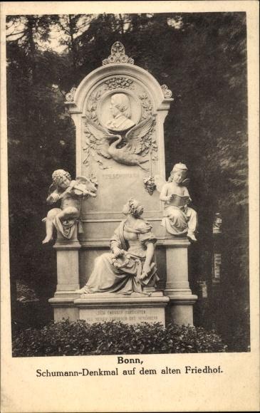 Ak Bonn in Nordrhein Westfalen, Partie am Schumann Denkmal auf dem Alten Friedhof, A. Donndorf