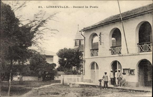 Ak Libreville Gabun, Devant la Poste, Postamt