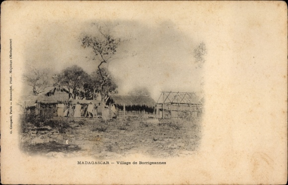 Ak Madagaskar, Village de Borrigeannes, Dorf, Hütten