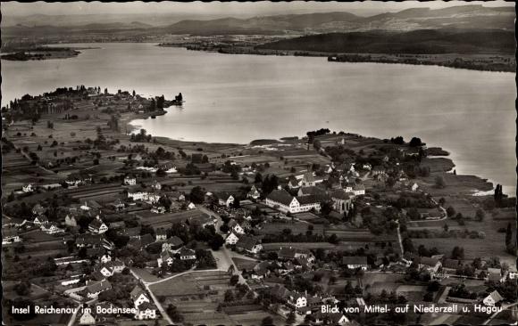 Ak Insel Reichenau Baden Württemberg, Fliegeraufnahme, Blick von Mittel- auf Niederzell, Hegau