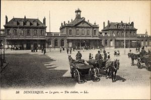 Ak Dunkerque Nord, La gare, Blick auf den Bahnhof, Straßenseite, Kutschen, Levy & Fils L.L. 58