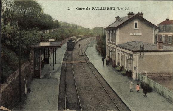 Ak Palaiseau Essonne, La Gare, La Gare, Blick auf den Bahnhof, Gleisseite, Dampflok, Bahnsteig