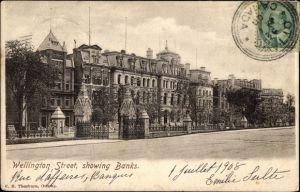 Ak Ottawa Ontario Kanada, Wellington Street, showing Banks, Bankgebäude