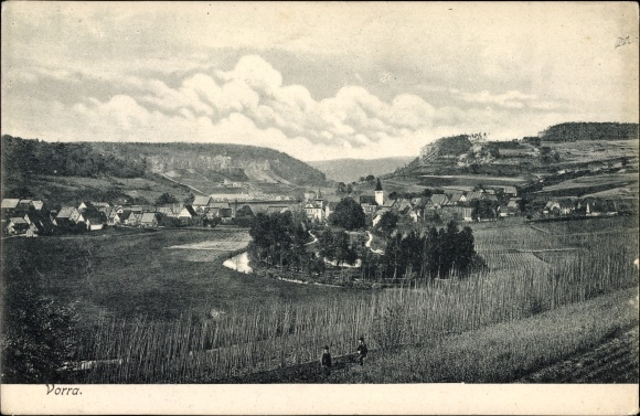 Ak Vorra in Mittelfranken, Gesamtansicht des Ortes, Kirche, Anbauflächen