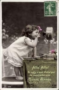 Ak Glückwunsch Neujahr, Allo, Mädchen am Telefon, Bonne Année