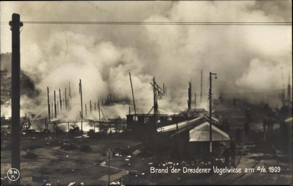 Ak Dresden, Brand der Dresdener Vogelwiese am 02.08.1909