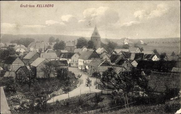 Ak Kellberg Thyrnau Niederbayern, Teilansicht des Ortes, Wohnhäuser, Kirche