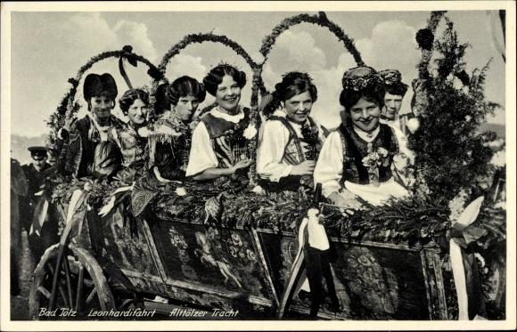 Ak Bad Tölz im Isartal Oberbayern, Leonhardifahrt, Mädchen in Alttölzer Tracht