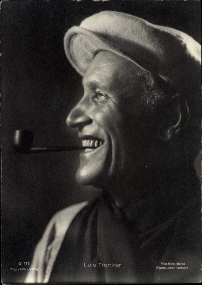 Ak Schauspieler Luis Trenker, Portrait mit Pfeife