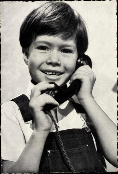 Ak Schauspieler Oliver Grimm, Kinderportrait, Telefonhörer