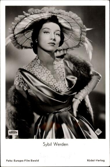 Ak Schauspielerin Sybil Werden, Portrait im Abendkleid mit Hut, Das letzte Rezept