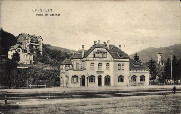 Ak Eppstein in Hessen, Blick auf den Bahnhof von der Gleisseite