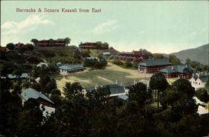 Ak Kasauli Indien, Barracks and Square from east, Militärbaracken