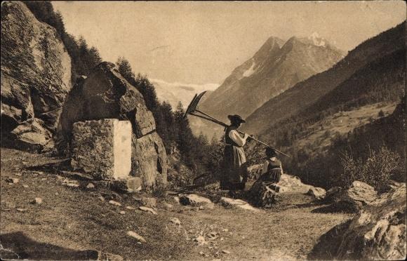 Ak Ferpecle Kt. Wallis Schweiz, Bauerin in Tracht mit Sense, Landschaftsblick