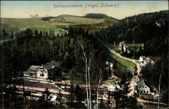 Ak Rentzschmühle Pöhl im Vogtland, Teilansicht vom Ort mit Umgebung, Bahnhof