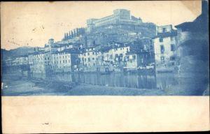 Ak Verona Veneto, Teilansicht der Stadt, Blick vom Fluss auf Gebäude