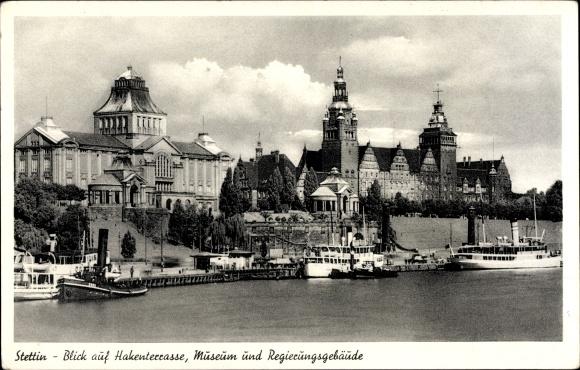 Ak Szczecin Stettin Pommern, Blick auf die Hakenterrasse, Museum und Regierungsgebäude