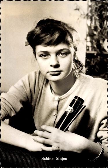 Ak Schauspielerin Sabine Sinjen, Portrait, Das Geheimnis
