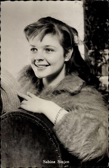 Ak Schauspielerin Sabine Sinjen, Portrait, Udine, Der Träumer