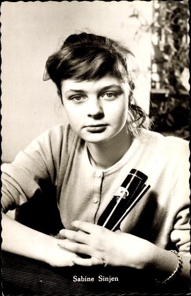 Ak Schauspielerin Sabine Sinjen, Portrait, Alle meine Tiere