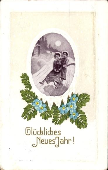 Passepartout Präge Ak Glückwunsch Neujahr, Zwei Frauen auf einem Schlitten im Mondschein