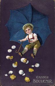 Präge Litho Glückwunsch Ostern, Küken schlüpfen aus Eiern, Junge mit Regenschirm