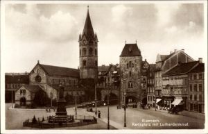 Ak Lutherstadt Eisenach in Thüringen, Partie am Karlsplatz und Luther Denkmal