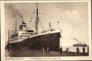 Ak Cuxhaven in Niedersachsen, Dampfschiff SS New York, HAPAG, An der Pier